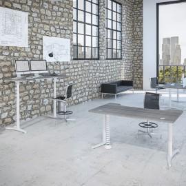 Le bureau électrique Design Envol de Buronomic avec plan design double vague et finition cèdre