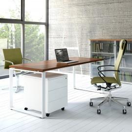 Photo d'ambiance du Bureau individuel Design OQI Q de MDD en coloris Noyer.