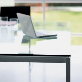 Zoom sur le Bureau de Direction Design Bianco Nero de FANTONI.
