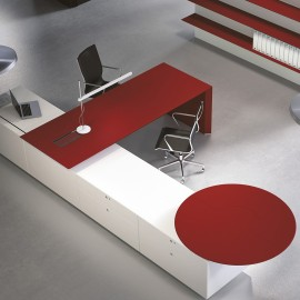 Bureau de Direction Design Multipli.CEO de FANTONI rouge et blanc.